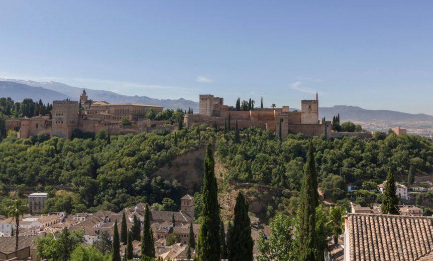 Granada-Alhambra-Uitzicht-Sierra-Nevada